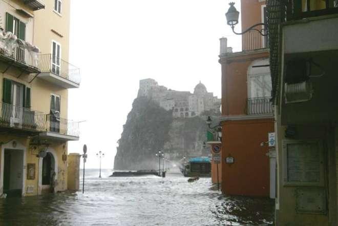 Ischia Ponte allagamento